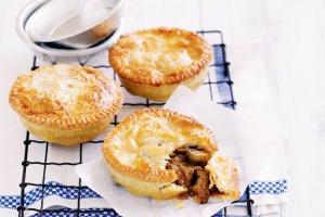Vegetarian Bakehouse Vegetable & Mushroom Pie 150g FROZEN